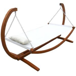 Hängematte mit Holzgestell
